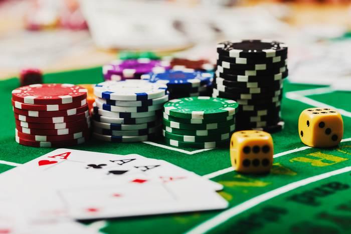 Бездепозитные бонусы казино с отыгрышем 2021
